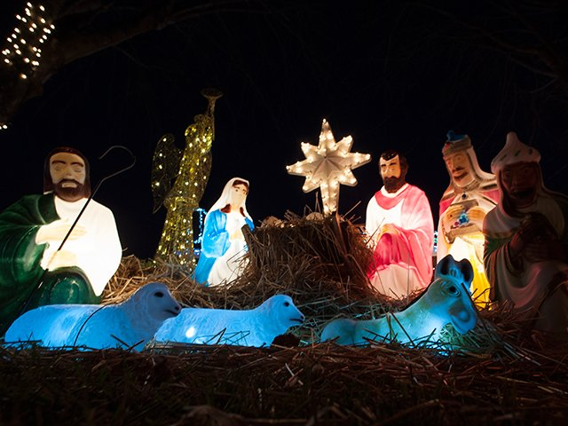 Fairburn Drive at Christmas