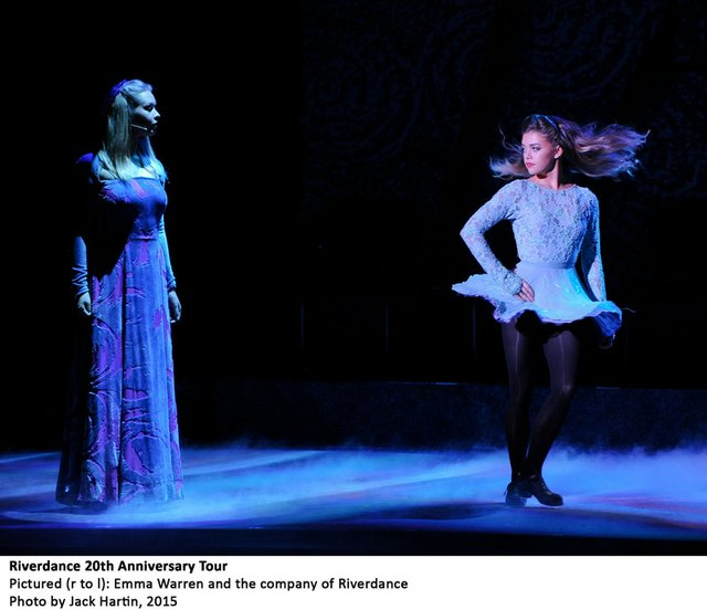 Emma-Warren-and-the-company-in-RIVERDANCE-20th-ANNIVERSARY-TOUR-photo-by-Jack-Hartin,-2015.jpg
