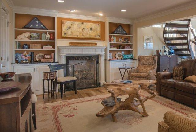00032 Living Room.jpg