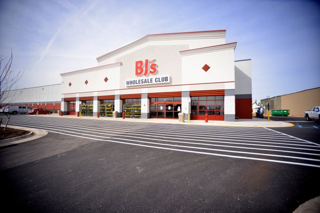 BJ's Roanoke - Exterior.JPG