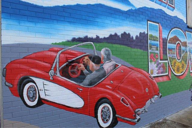 Mural Photo 5.jpg