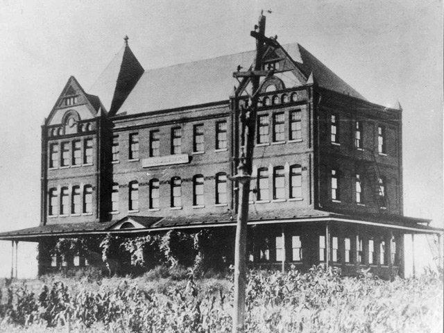 1915--Main--Burrell.jpg