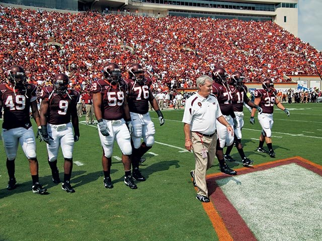 Frank Beamer with the team